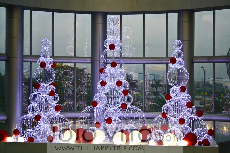 Simple Christmas Tree Decorations Philippines.Pasko Sa Pinas Christmas In The Philippines The Happy Trip