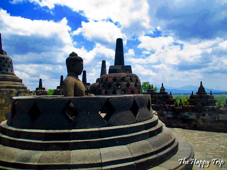 2018 BOROBUDUR TRAVEL GUIDE | BUDGET,CHEAP HOTELS, HOW TO GET THERE