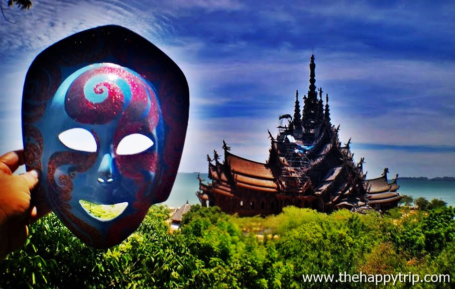Jojoy, The Traveling Mask of the Happy Trip at the temple