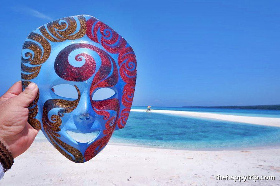 Jojoy, the traveling mask