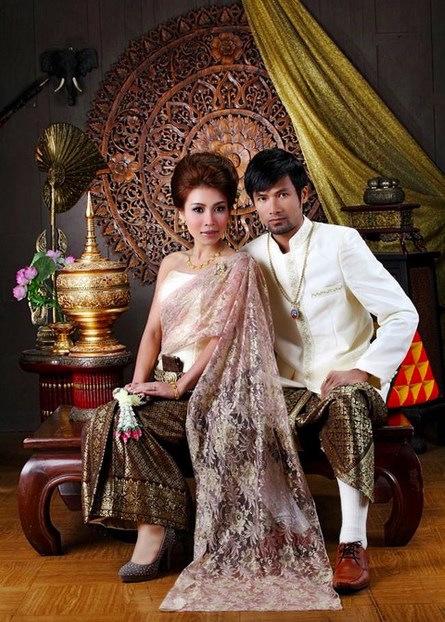 DESTINATION WEDDING IN TROPICAL THAILAND